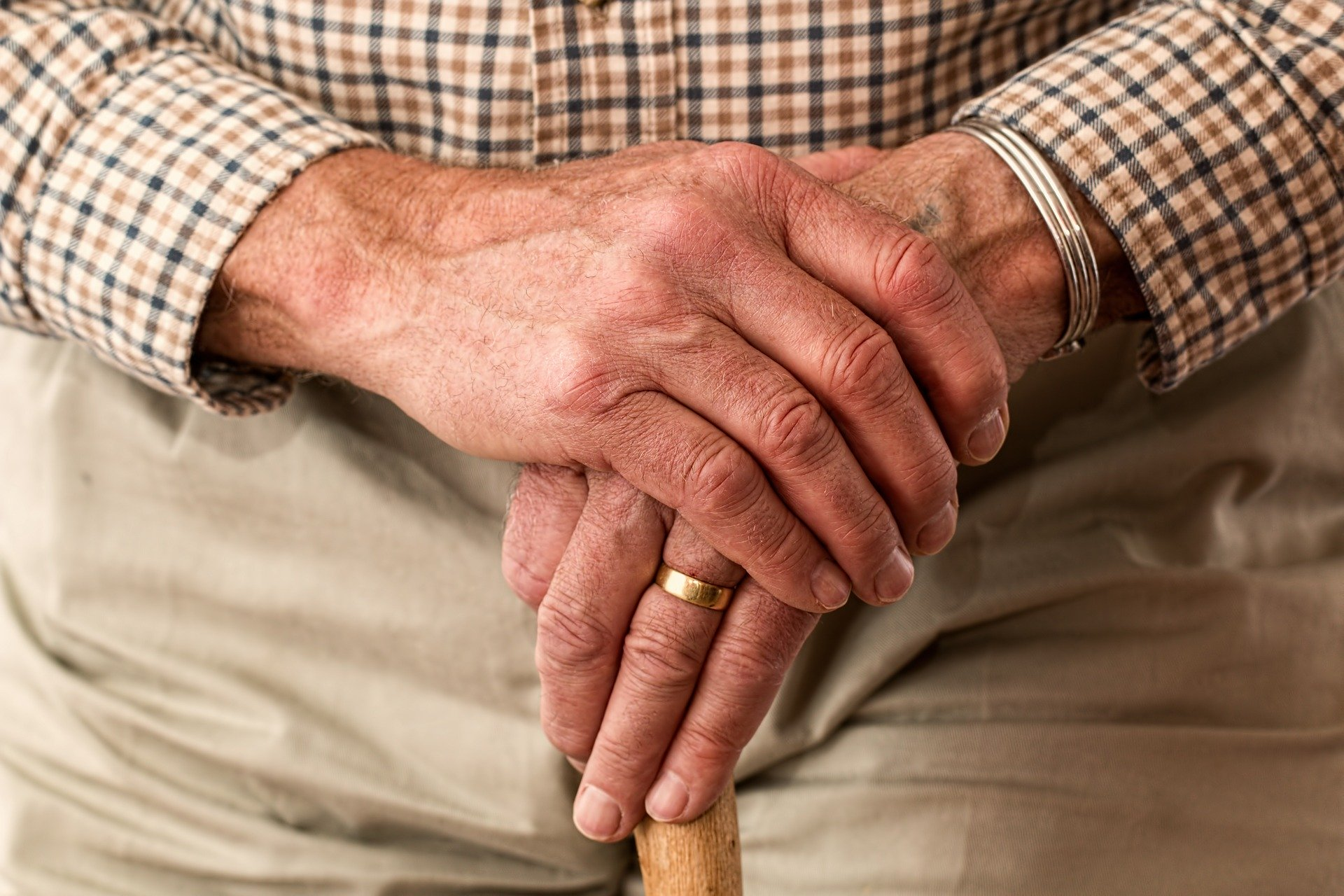 picture of elderly persons hands
